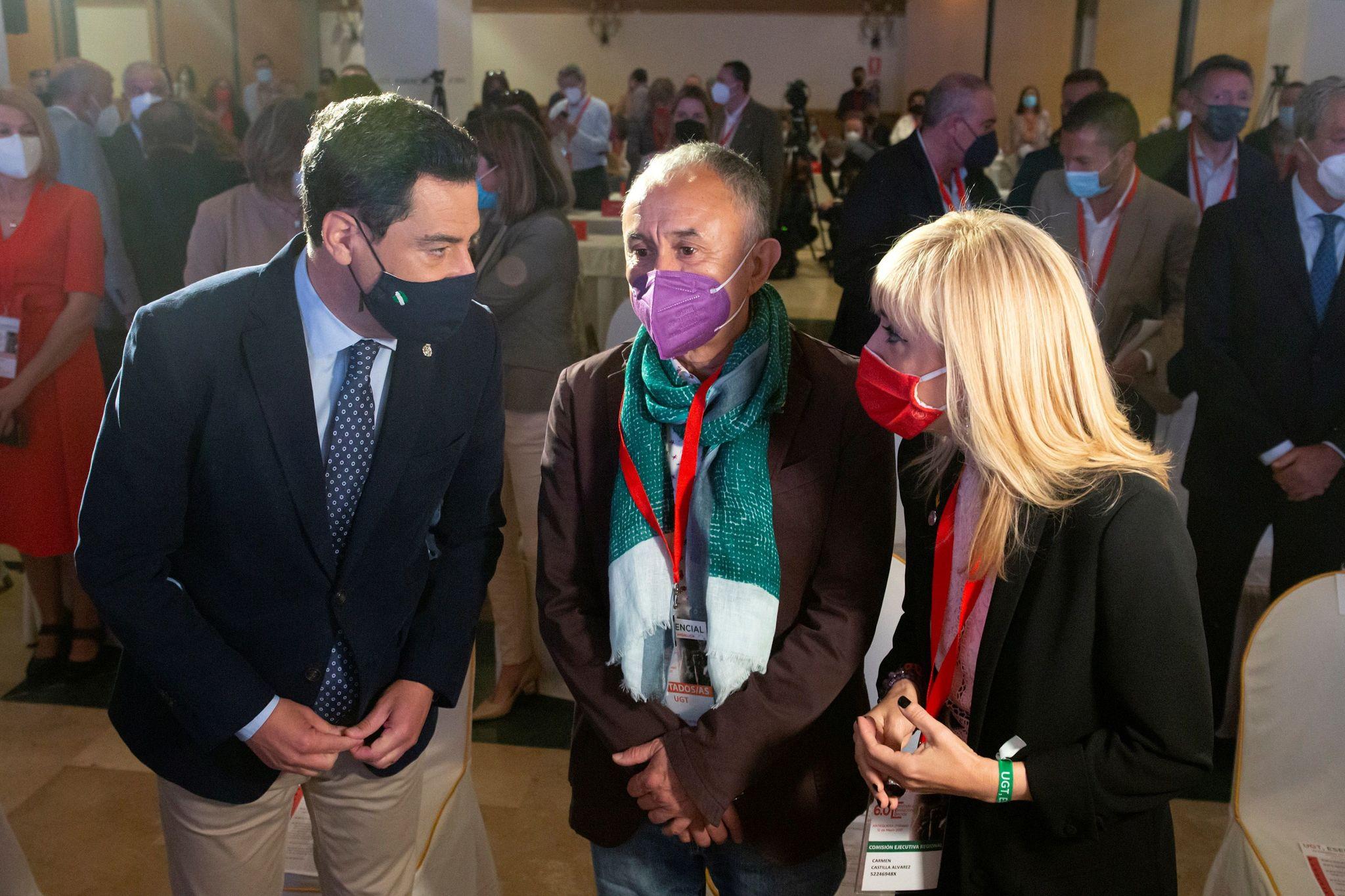 Moreno, con el líder nacional de UGT, José Álvarez, y la secretaria general 'ugetista' andaluza, Carmen Castilla, en el congreso de Antequera.