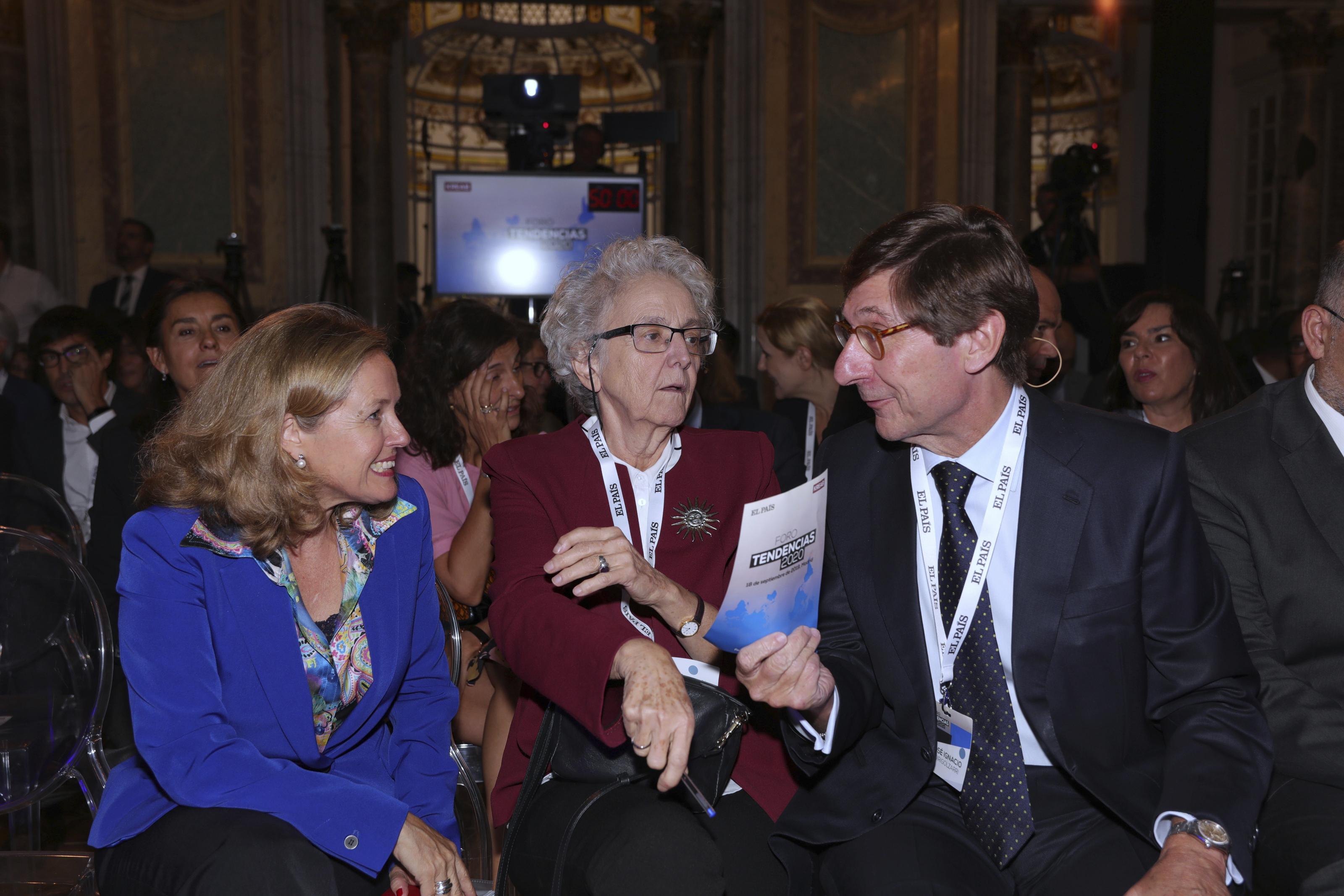 Nadia Calviño, Soledad Gallego-Díaz y José Ignacio  Goirigolzarri
