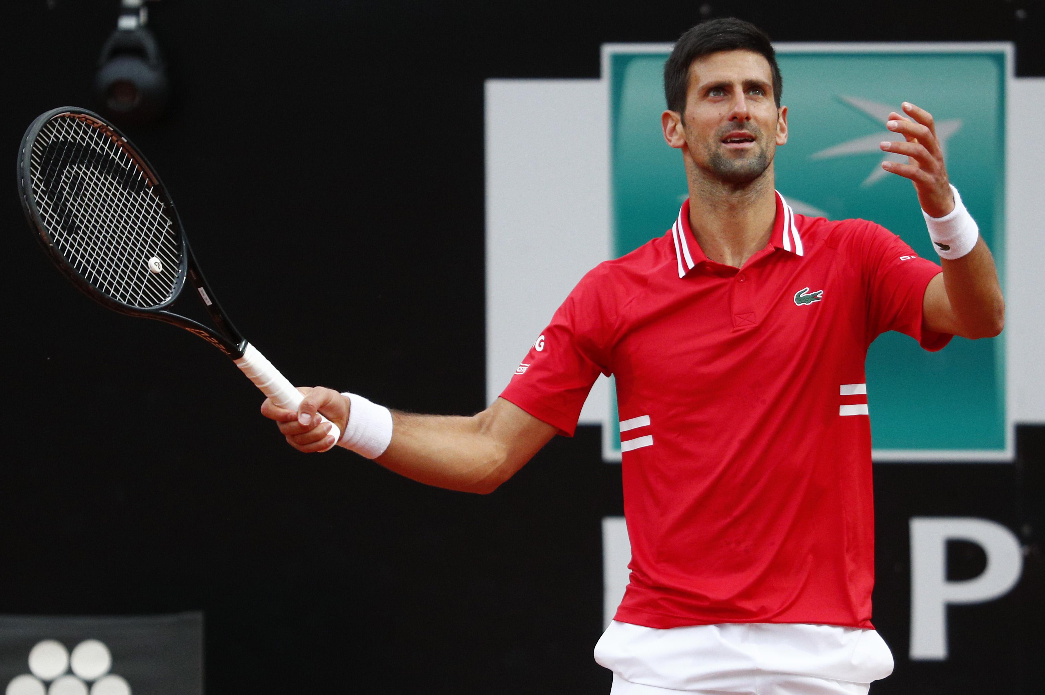 Djokovic, contrariado tras un error en la final.