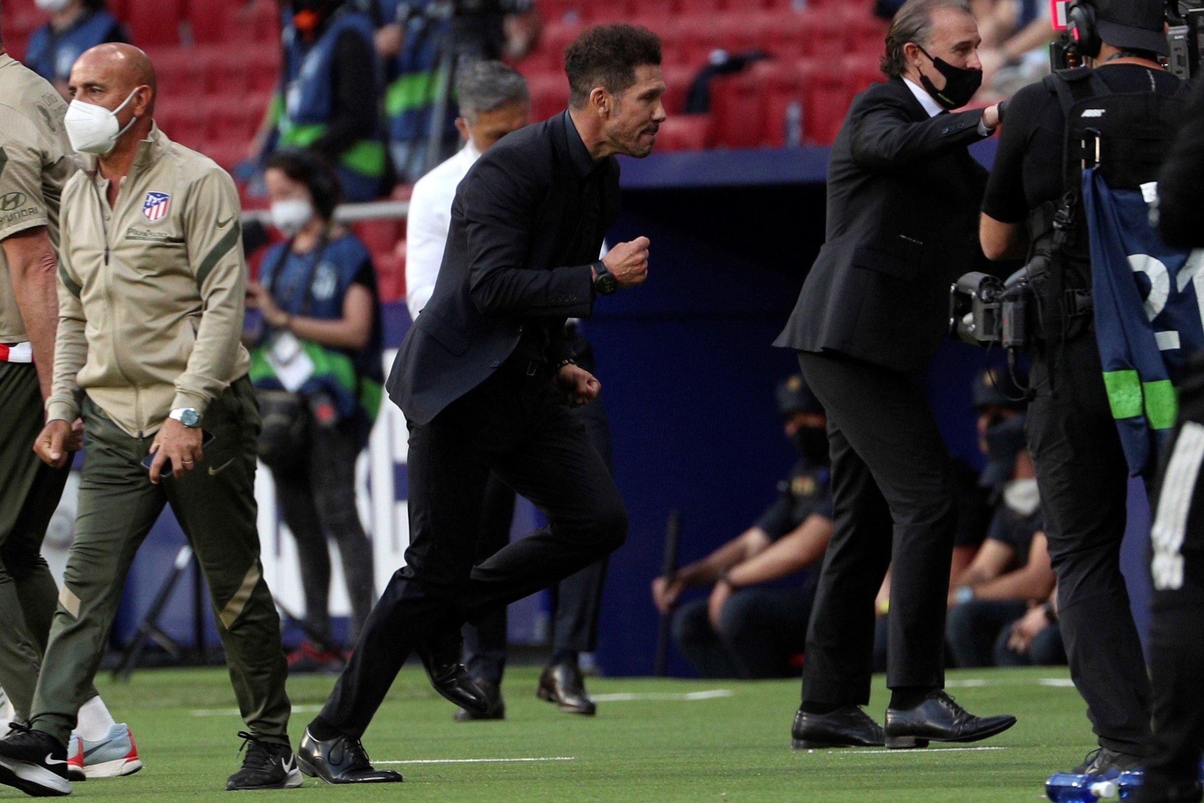 Simeone festeja el triunfo del domingo ante Osasuna.