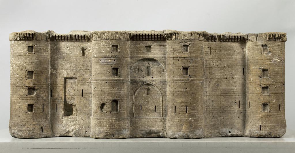 Las maquetas de La Bastilla hechas con piedra de La Bastilla.