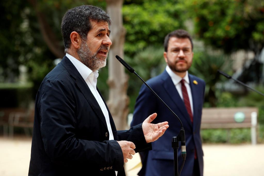 Jordi Sánchez y Pere Argonès, ayer, en Barcelona.