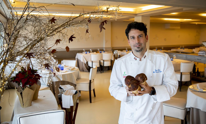 El chef Javier Izarra dirige el restaurante Tamarises Izarra.