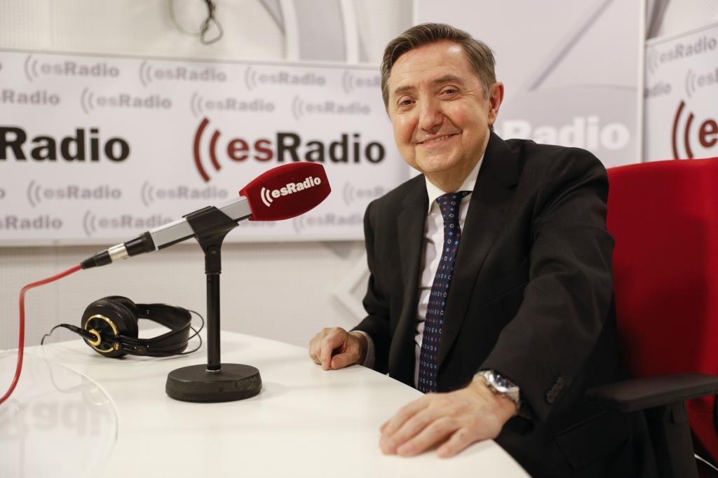 Federico Jiménez Losantos, en el estudio de EsRadio