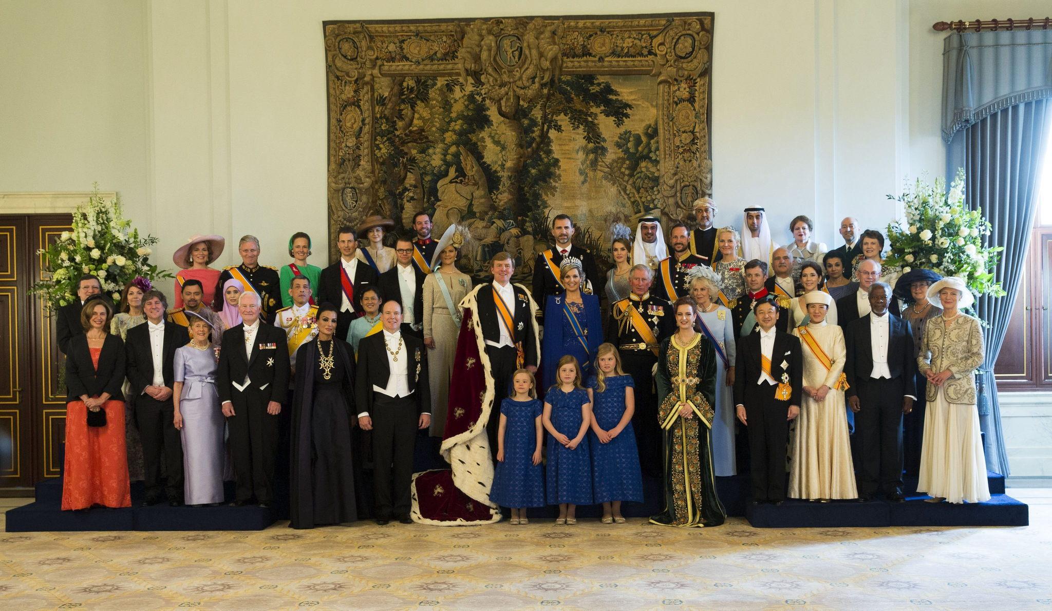 Foto de familia de la ceremonia de investidura del rey de Holanda Guillermo-Alejandro.