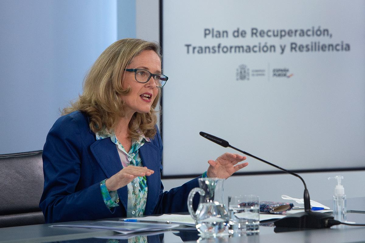 Nadia Calviño presenta en rueda de prensa el Plan de Recuperación enviado a la Unión Europea para su próxima aprobación.
