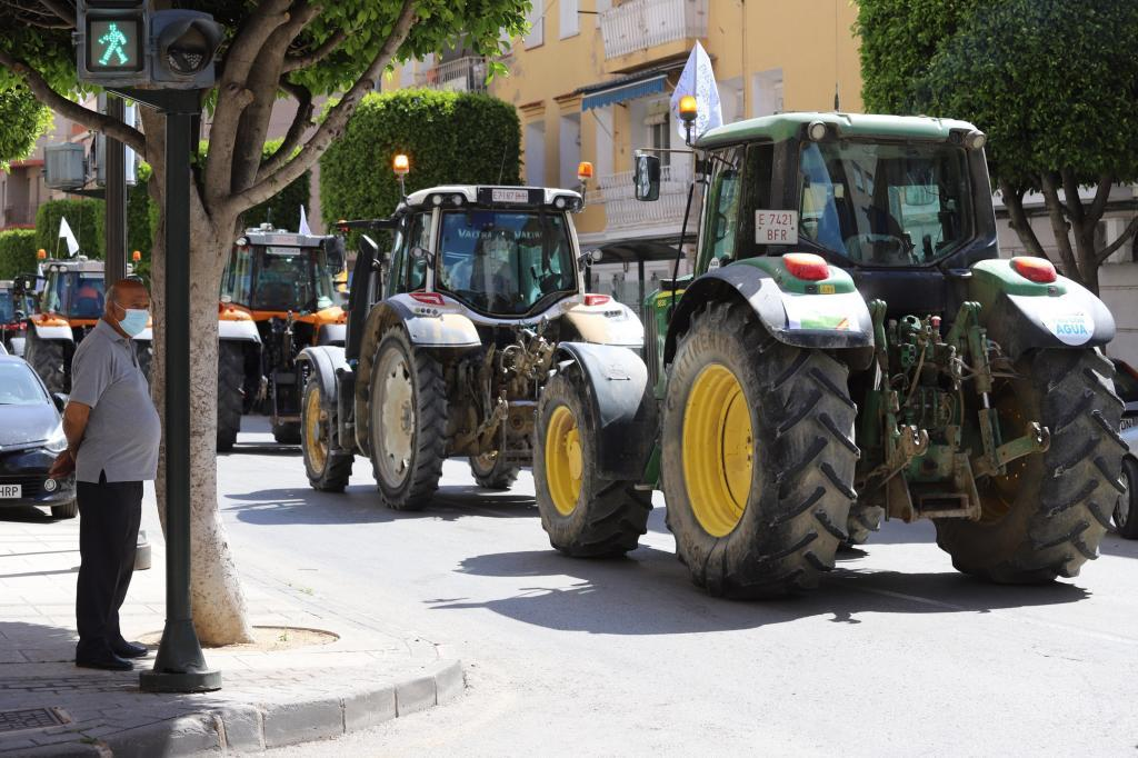 Tractorada de regantes a favor del trasvase Tajo-Segura.