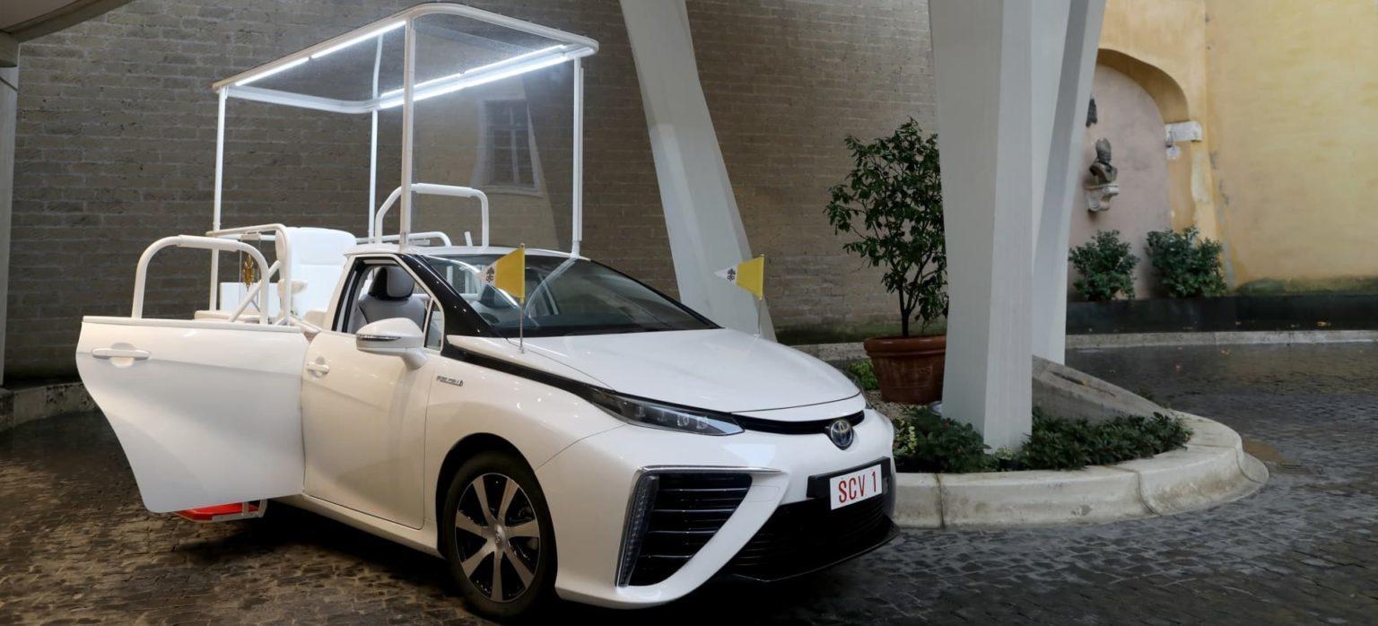 Toyota Mirai de pila de combustible entregado en 2020