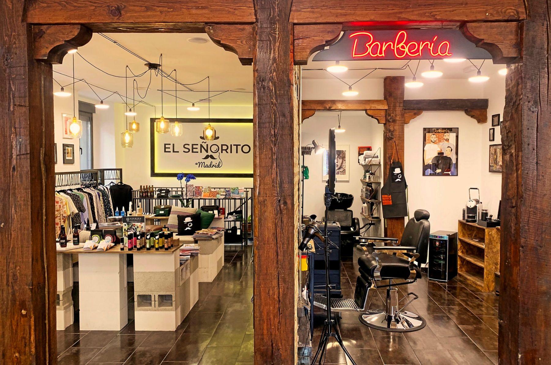 El Señorito, además de barbería es tienda de moda y complementos.