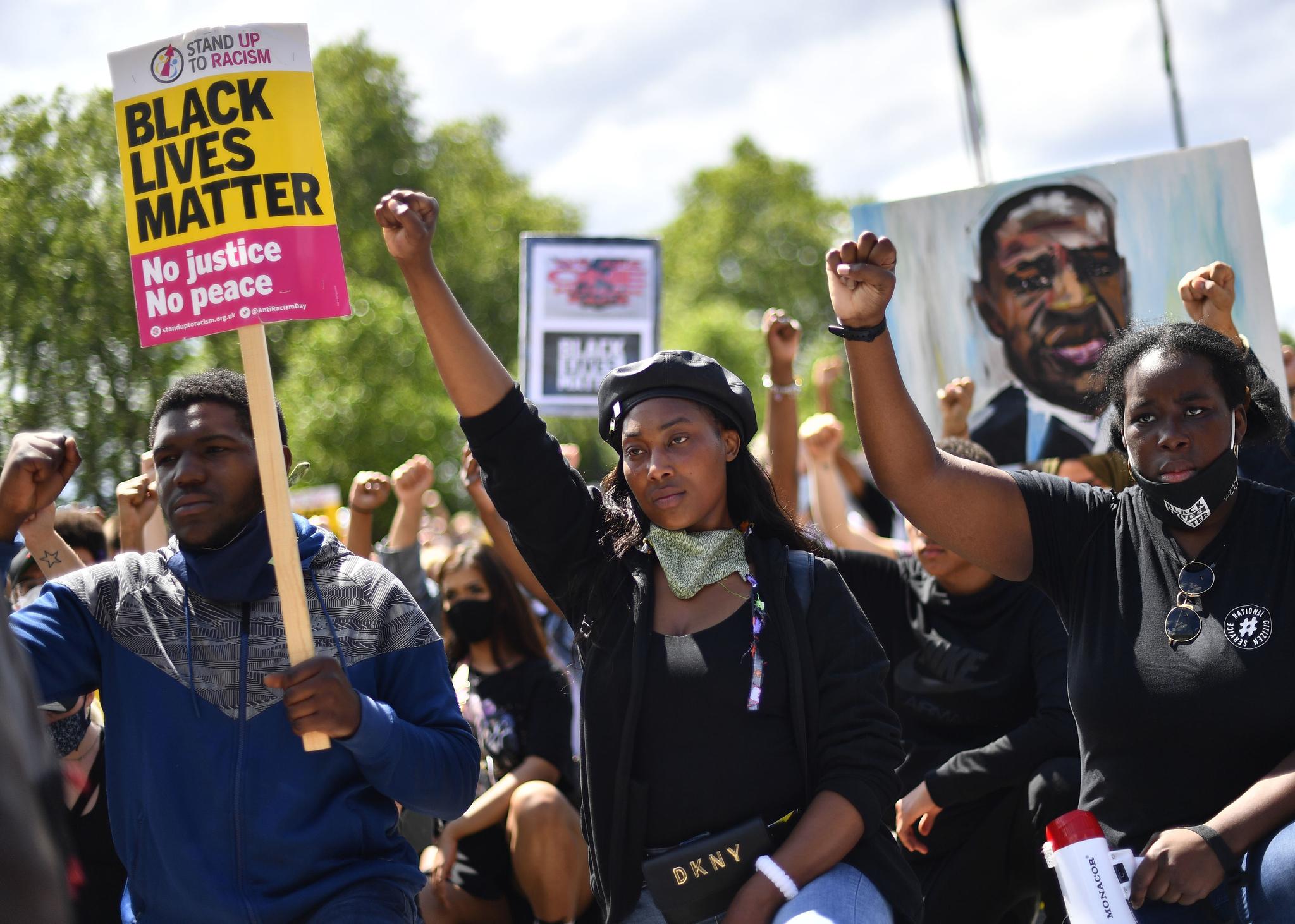 Sasha Johnson (centro) en una manifestación de BLM en Londres.