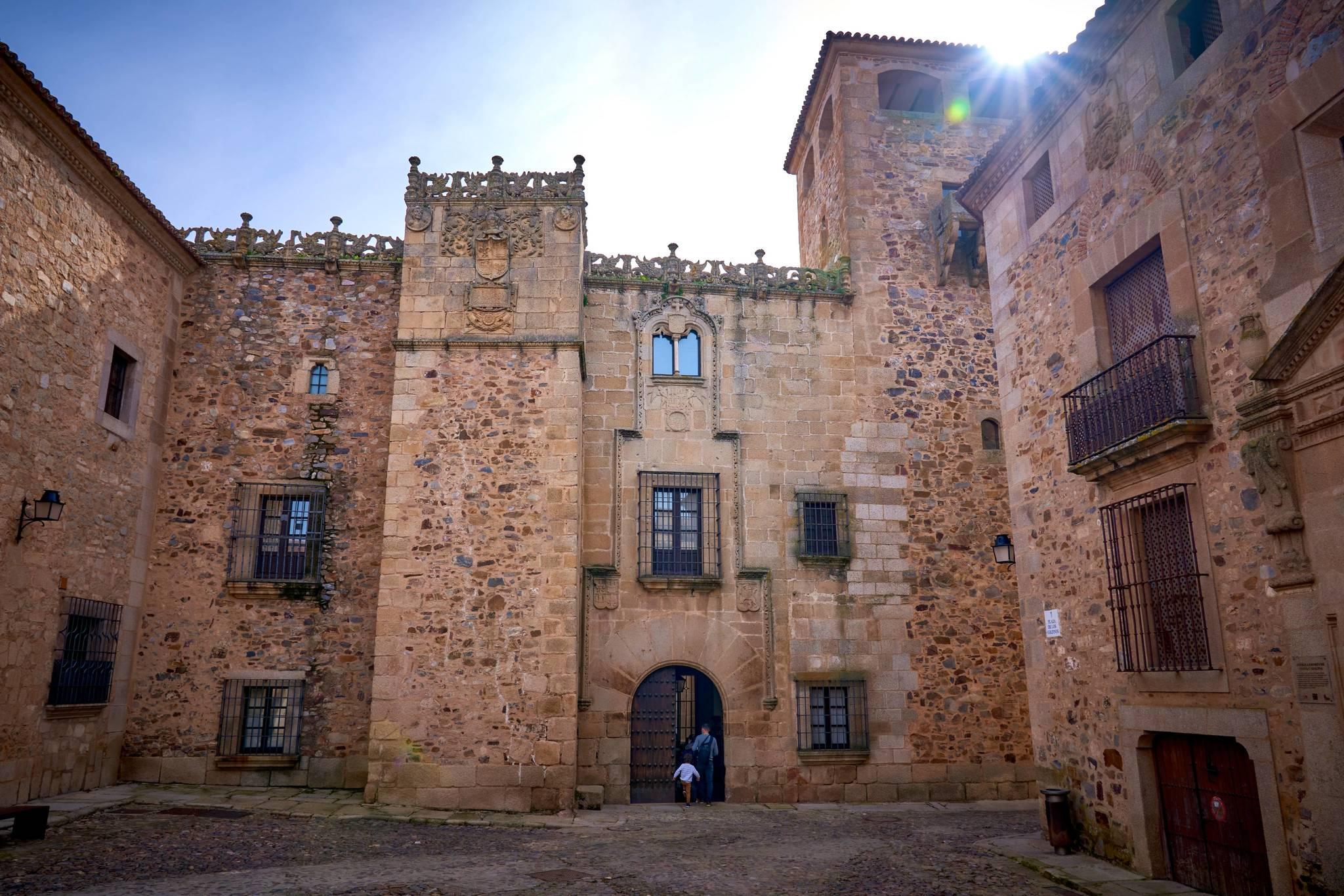 Fachada de la casa-museo Palacio de los Golfines de Abajo.