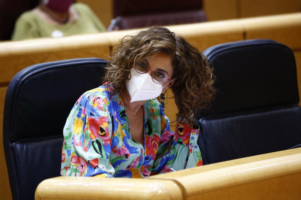 La ministra portavoz del Gobierno, María Jesús Montero, durante la sesión de control al Gobierno ayer en el Senado.