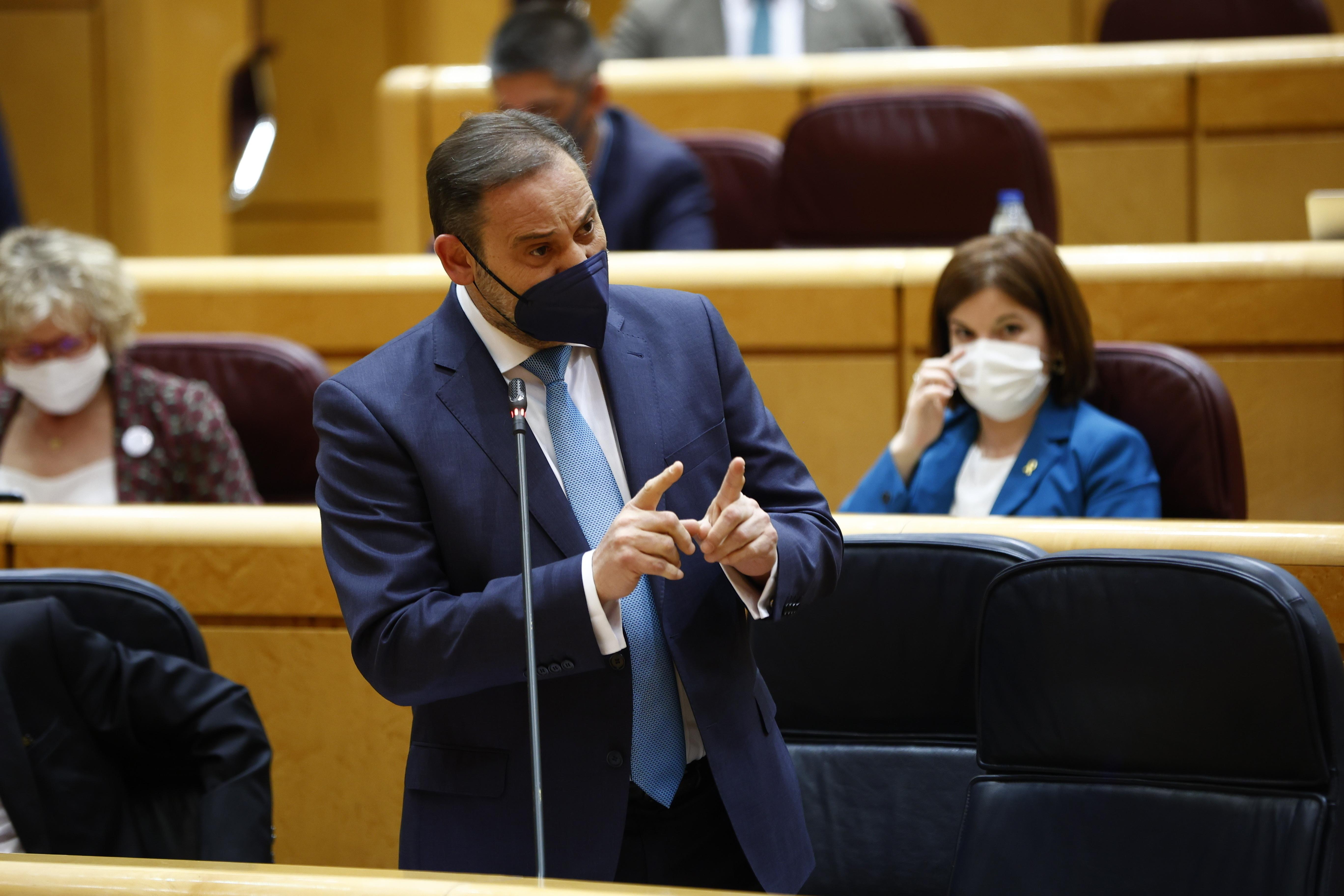 El ministro de Transportes, José Luis Ábalos, durante su intervención este martes en el Senado.