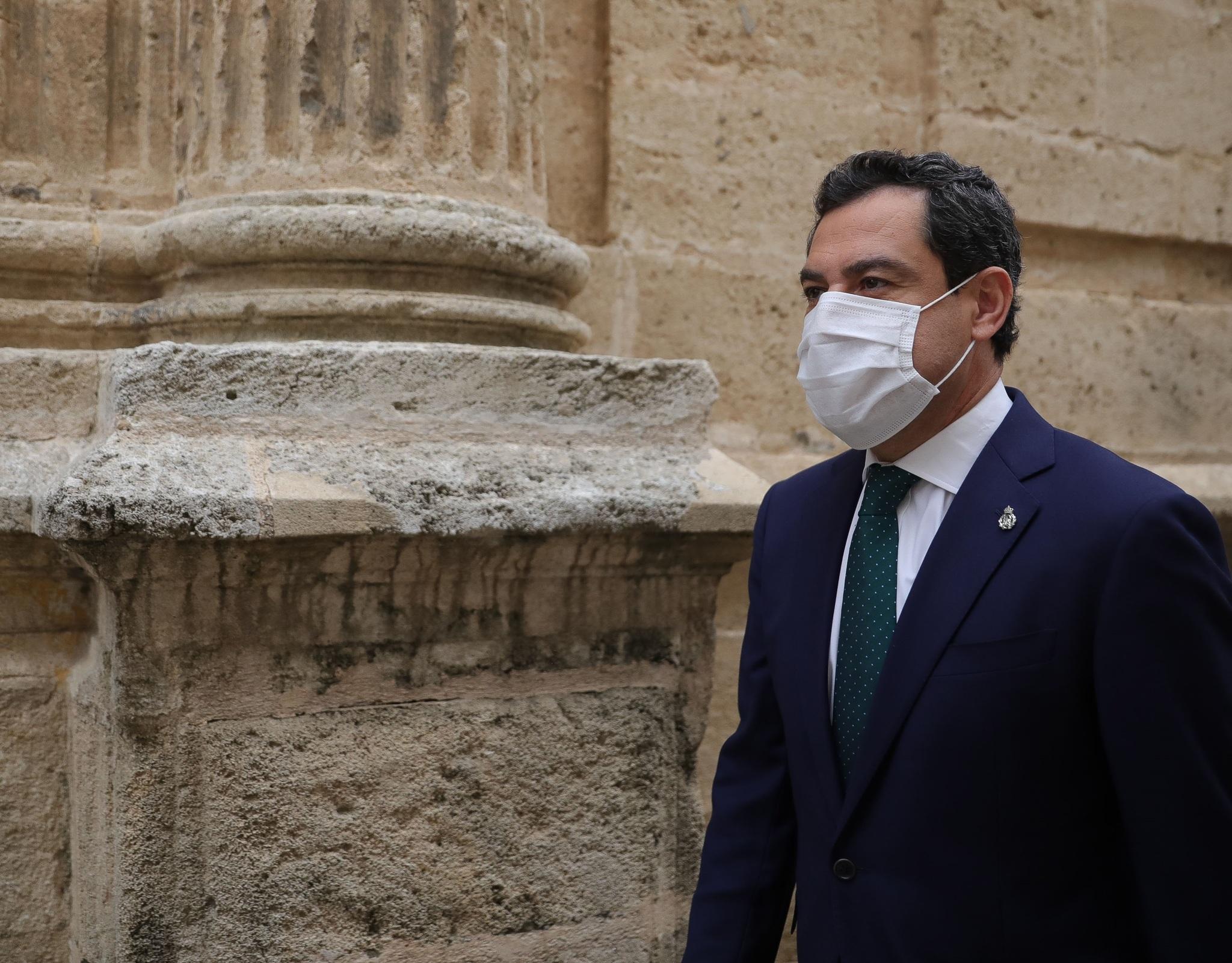 El presidente de la Junta, Juanma Moreno, este jueves, en el Parlamento.