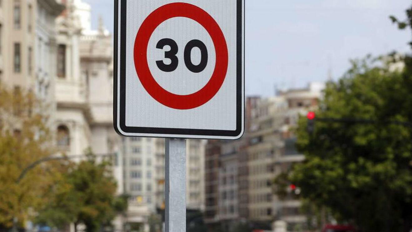 La Fiscalia de Seguridad Vial pide más radares urbanos para multar por los 30 km/h