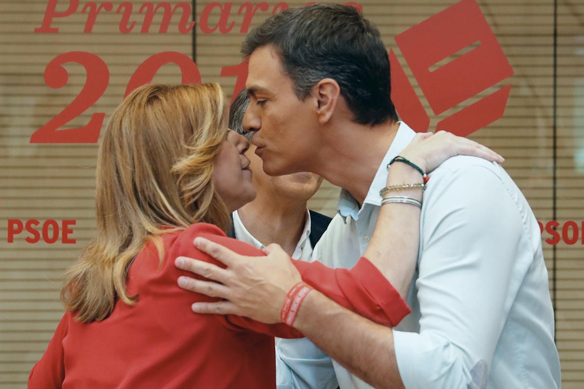 Susana Díaz y Pedro Sánchez, juntos en 2017, cuando competían por el liderazgo del PSOE.