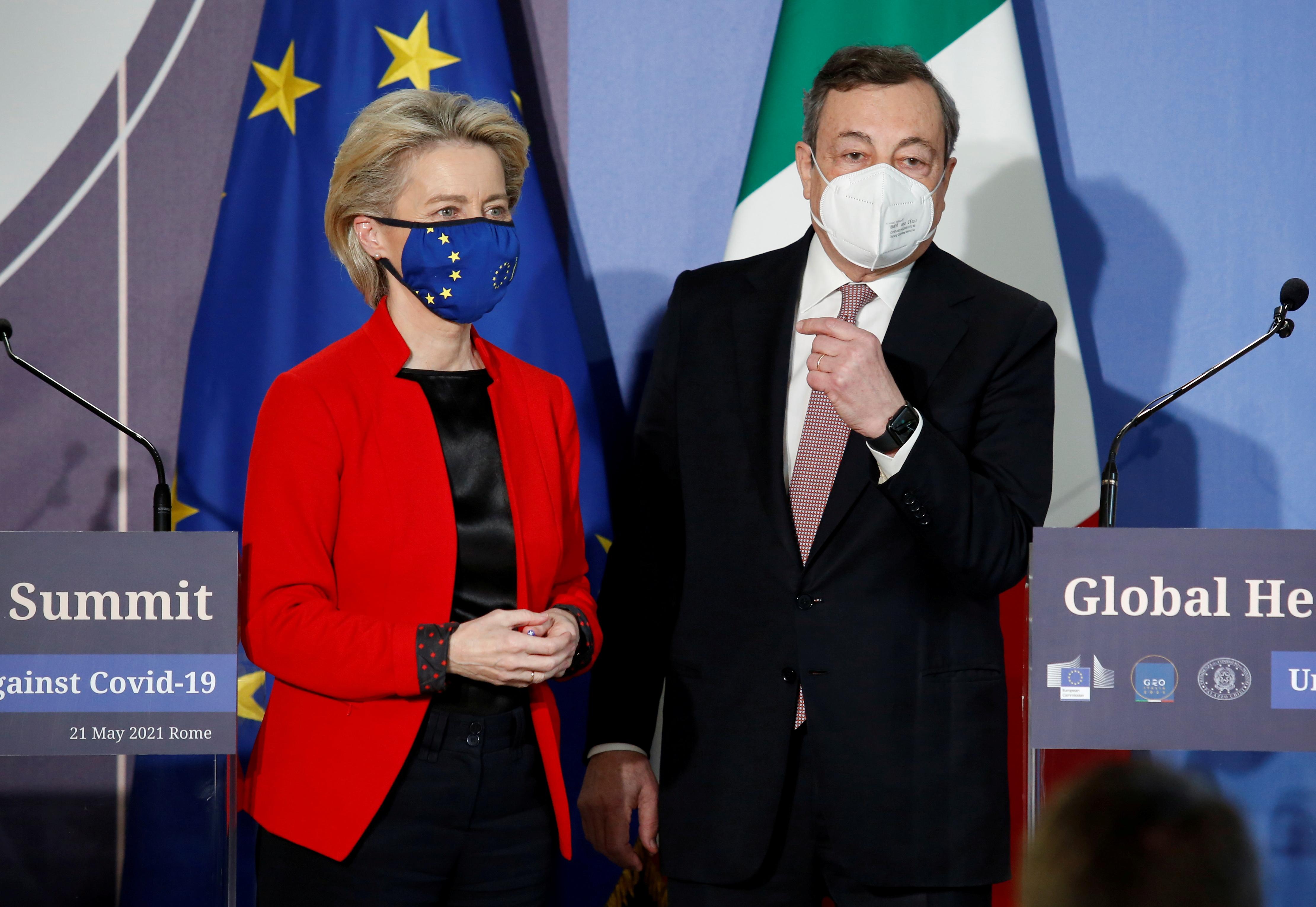 El presidente del Gobierno italiano, Mario Draghi, y la presidenta de la Comisión Europea, Ursula Von der Leyen el pasado día 21 en Roma