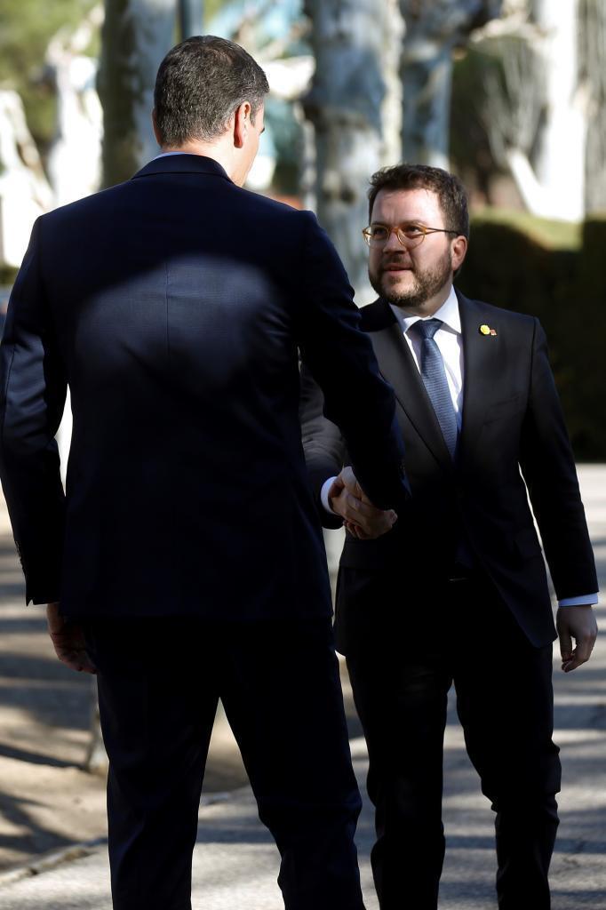 Pedro Sánchez y Pere Aragonès, en una reunión en Moncloa en febrero de 2020.