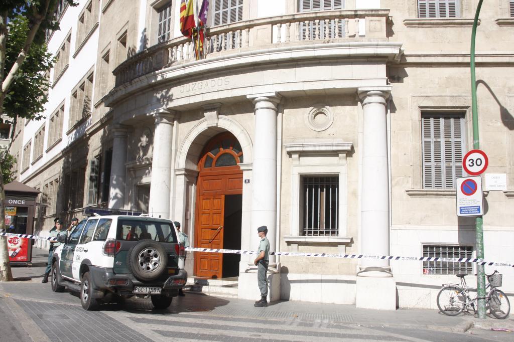 Entrada principal de los Juzgados de Palma.