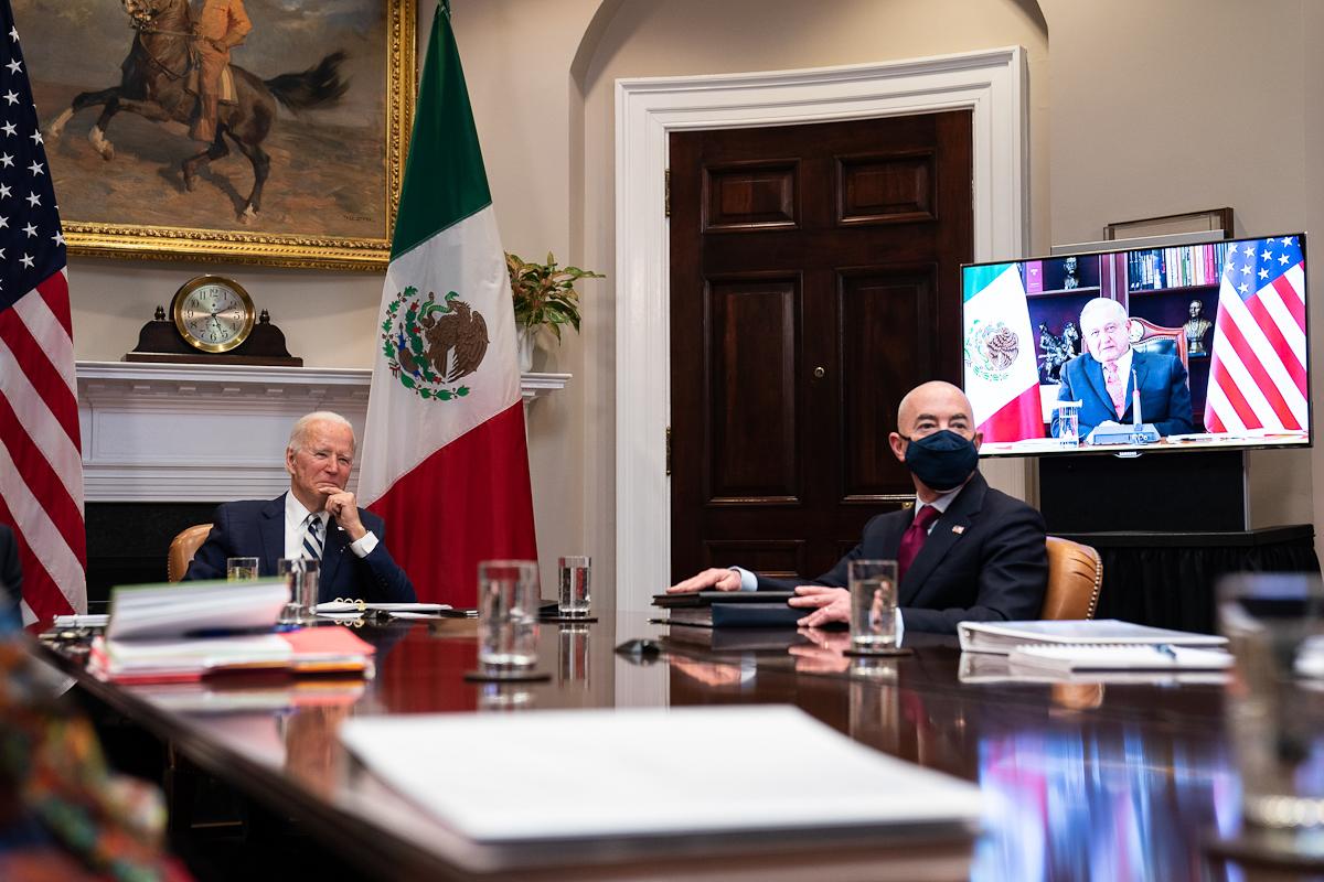 Joe Biden, en una reunión virtual con López Obrador.
