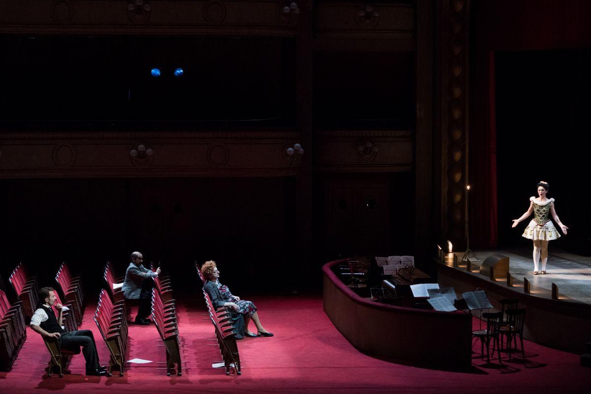 Imagen del segundo acto de 'Viva la Mamma' en el Teatro Real. Autor: Stofleth.
