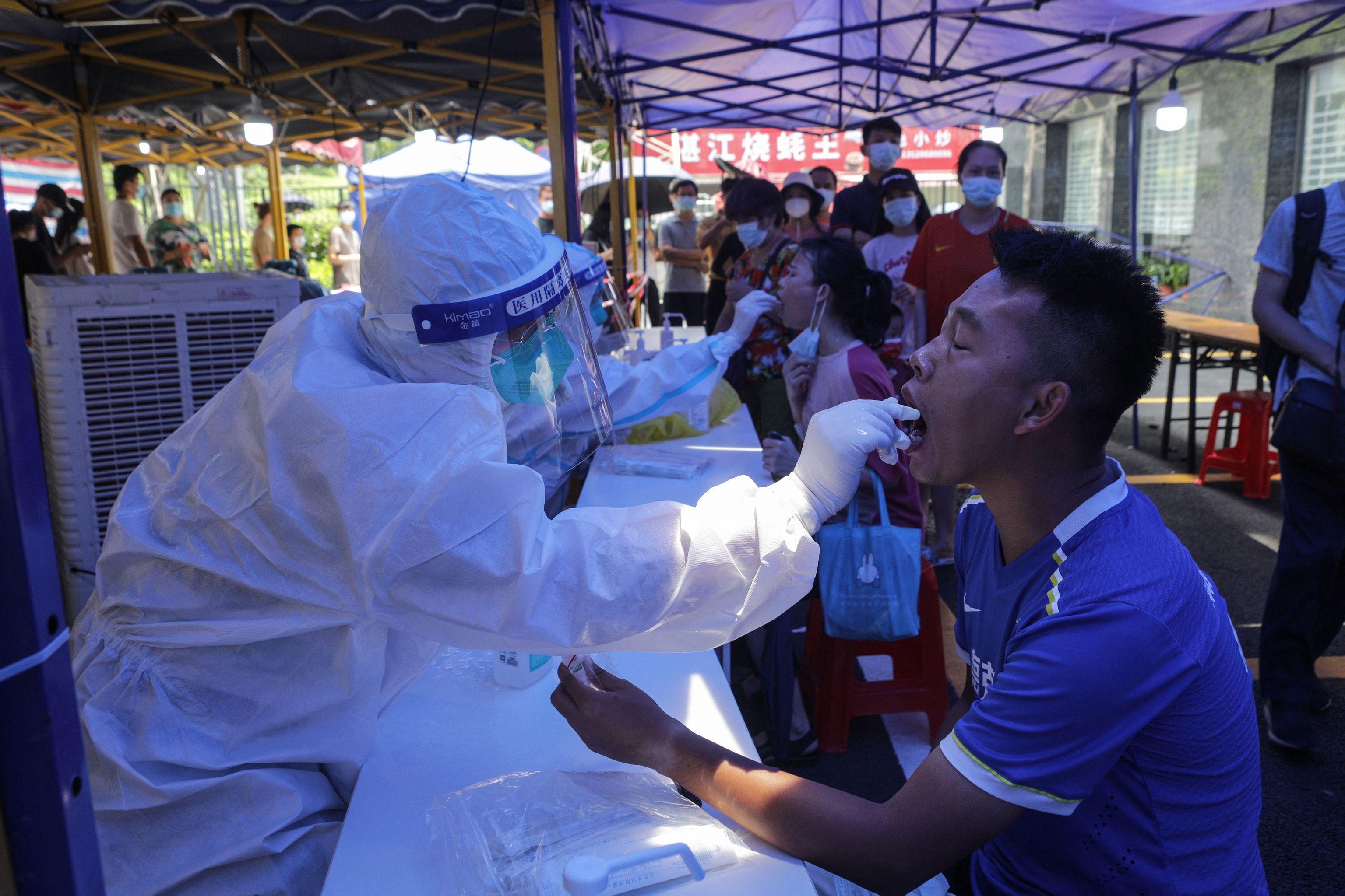 Pruebas de coronavirus en Guangzhou.
