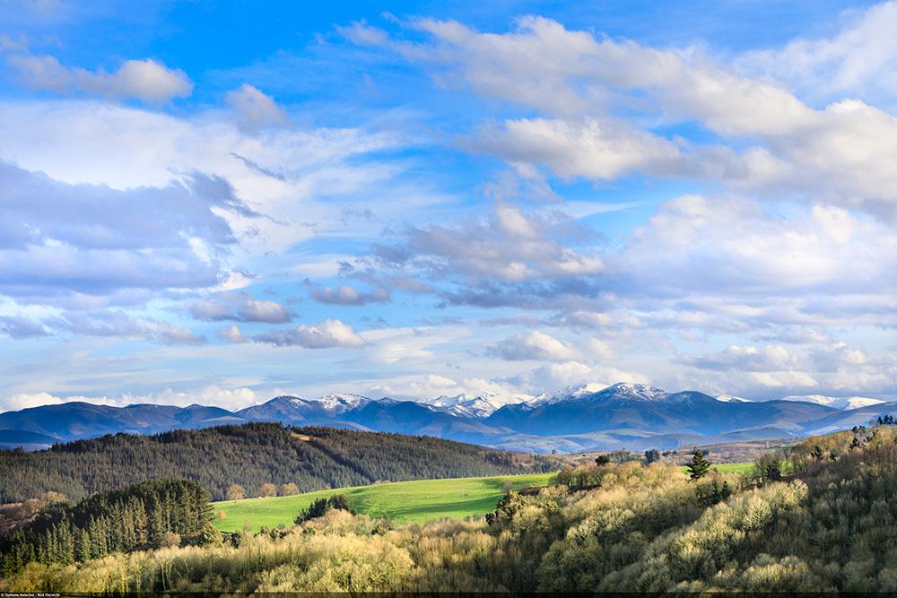 Vistas desde la falda del monte de las Brañugas - Camino de Santiago.