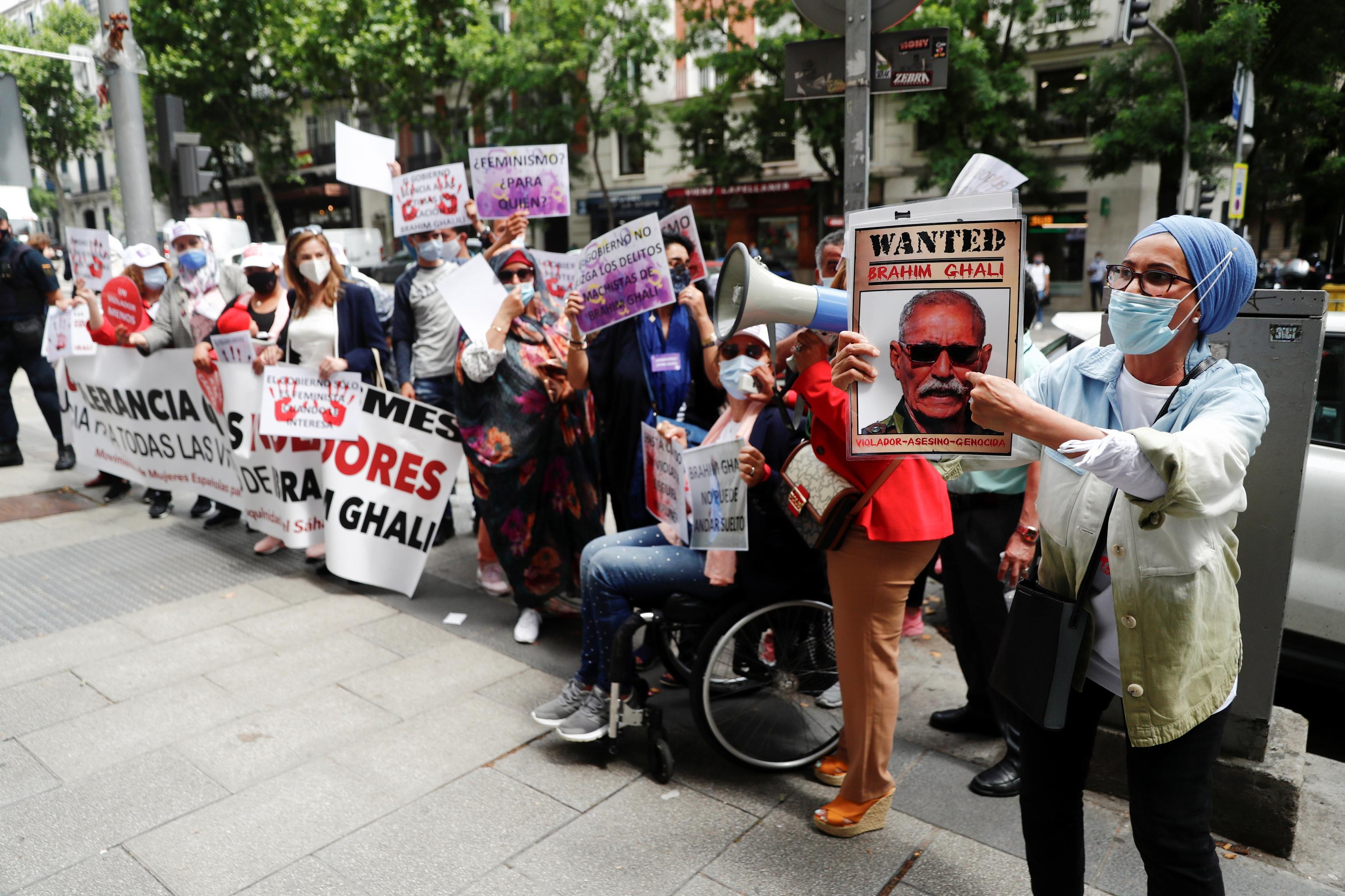 Protesta contra Ghali ante la Audiencia Nacional este martes.