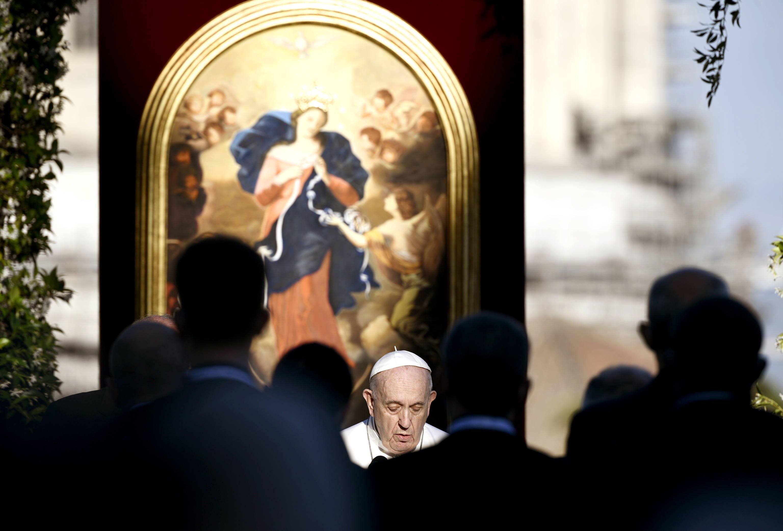 El Papa Francisco en la oración por el fin de la pandemia, el lunes.