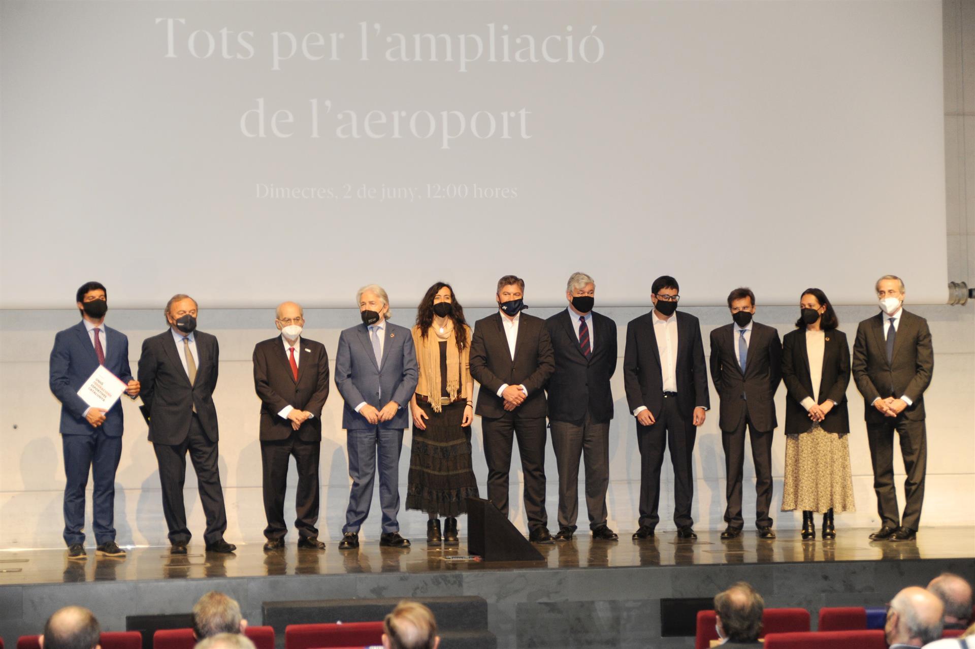 Acto por la ampliación de El Prat.