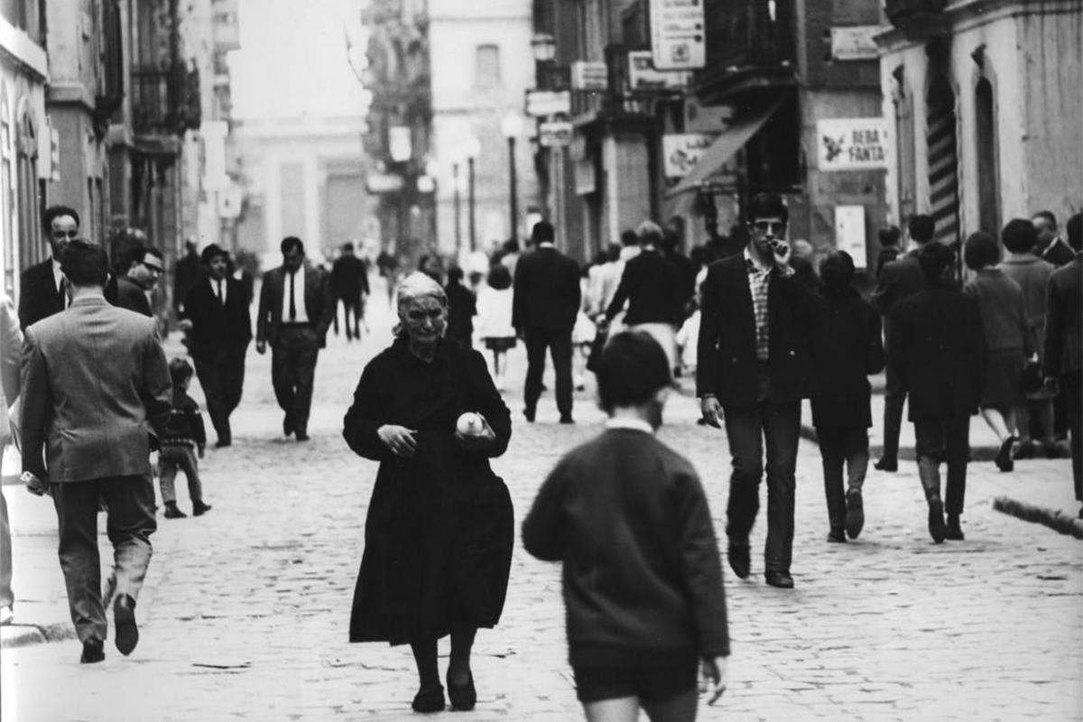 La Barceloneta en 1963, el año en el que el Somorrostro y Carmen Amaya quedaron inmortalizados en 'Los Tarantos'.