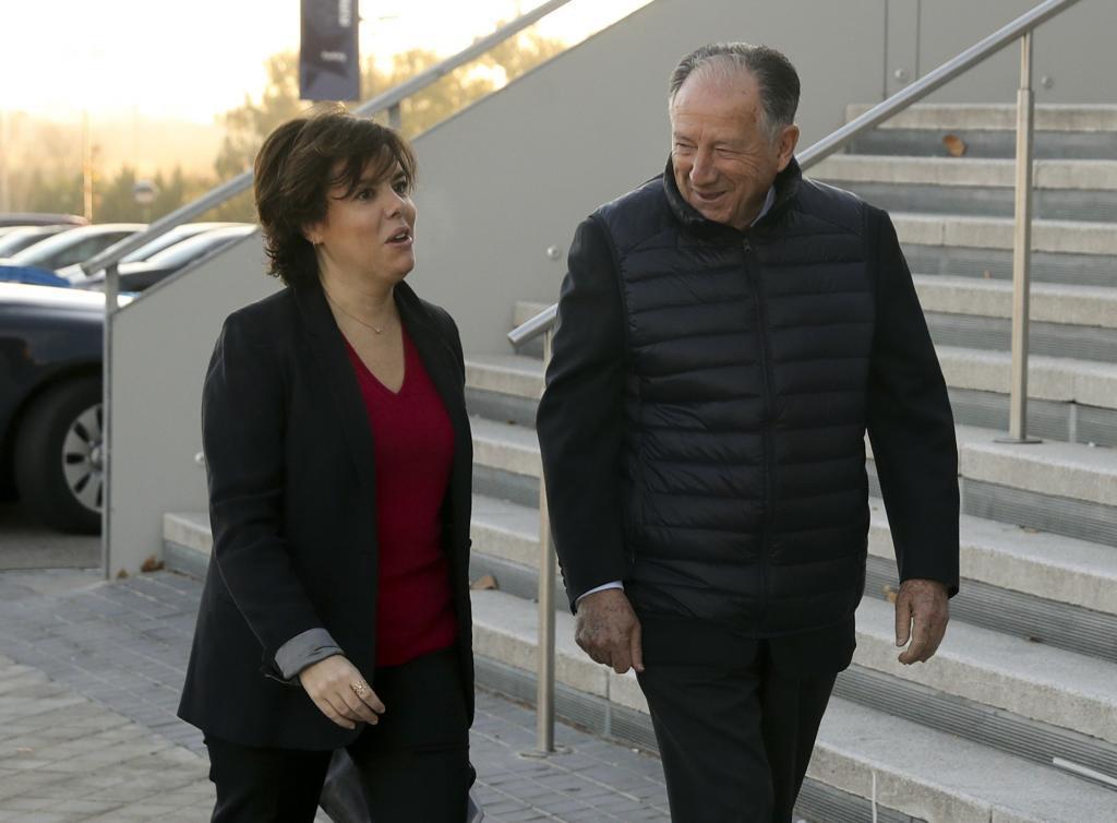 Soraya Sáenz de Santamaría y Félix Sanz Roldán, juntos en 2017.