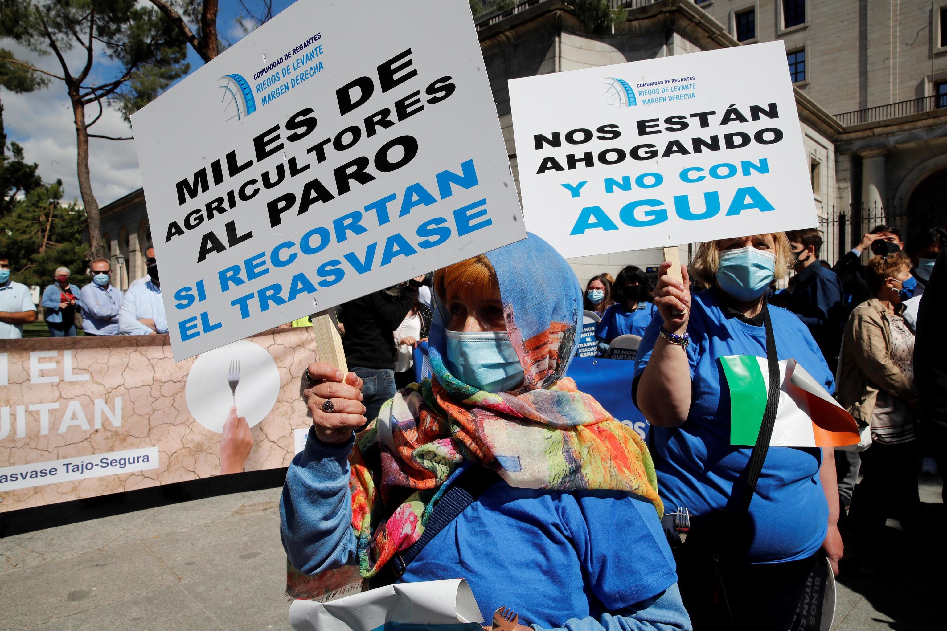 Protesta contra el recorte del trasvase Tajo-Segura en Madrid el pasado 24 de mayo.