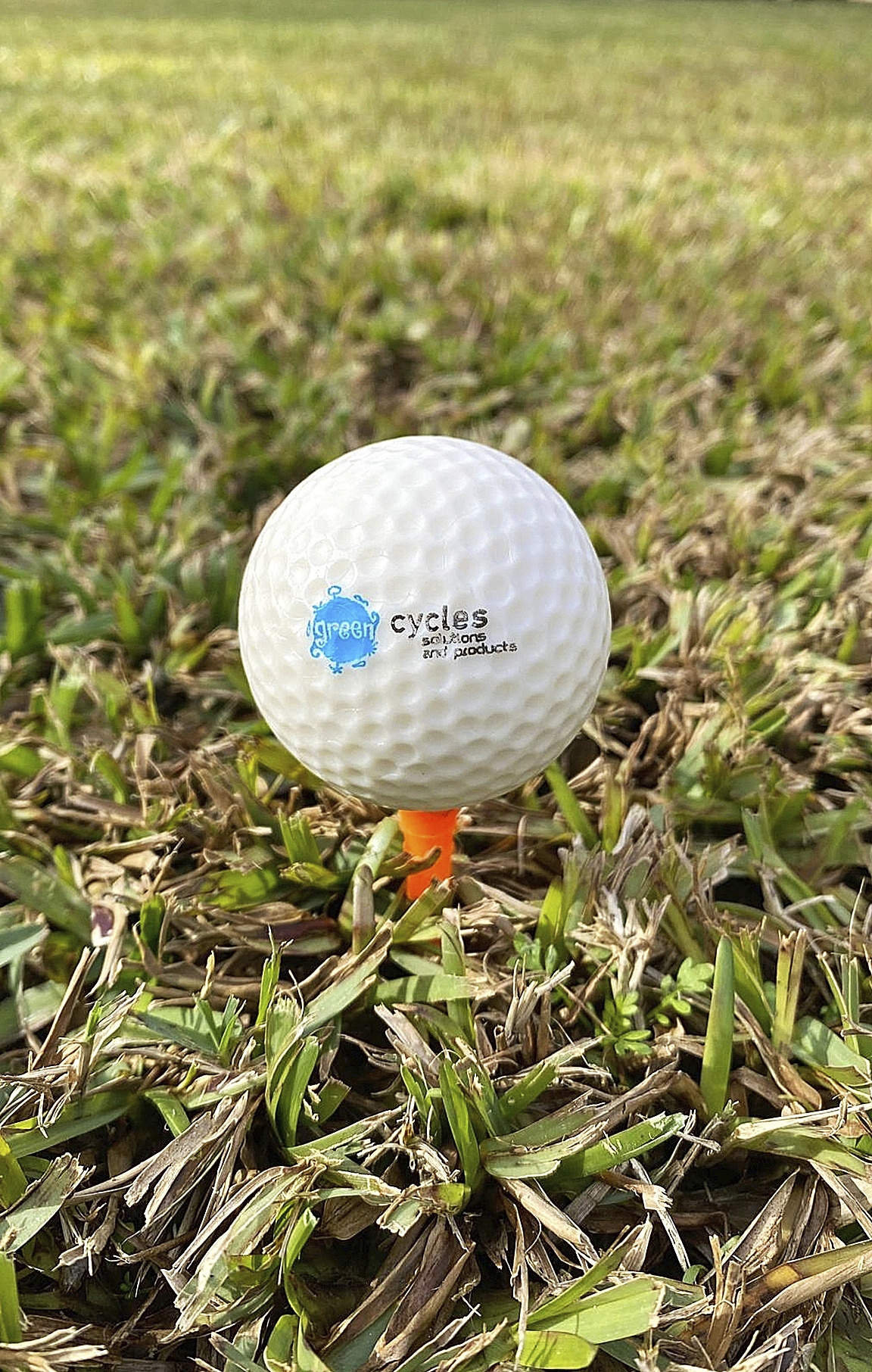 Green Cycles ha creado pelotas de golf hidrosolubles y biodegradables