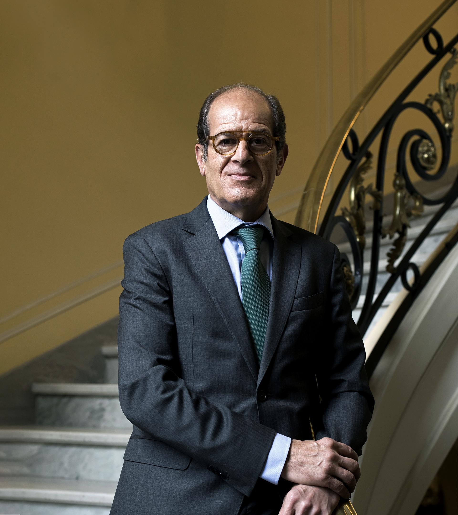 """Anselmo Martín-Peñasco: """"La actual reestructuración del sector financiero, sin precedentes, aún no ha terminado"""""""