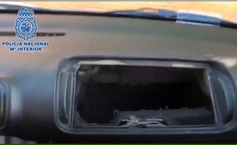 Uno de los vehículos intervenidos por la Policía Nacional