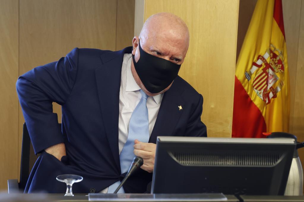 Villarejo, durante su comparecencia ante la comisión parlamentaria sobre 'Kitchen', el pasado 27 de mayo.