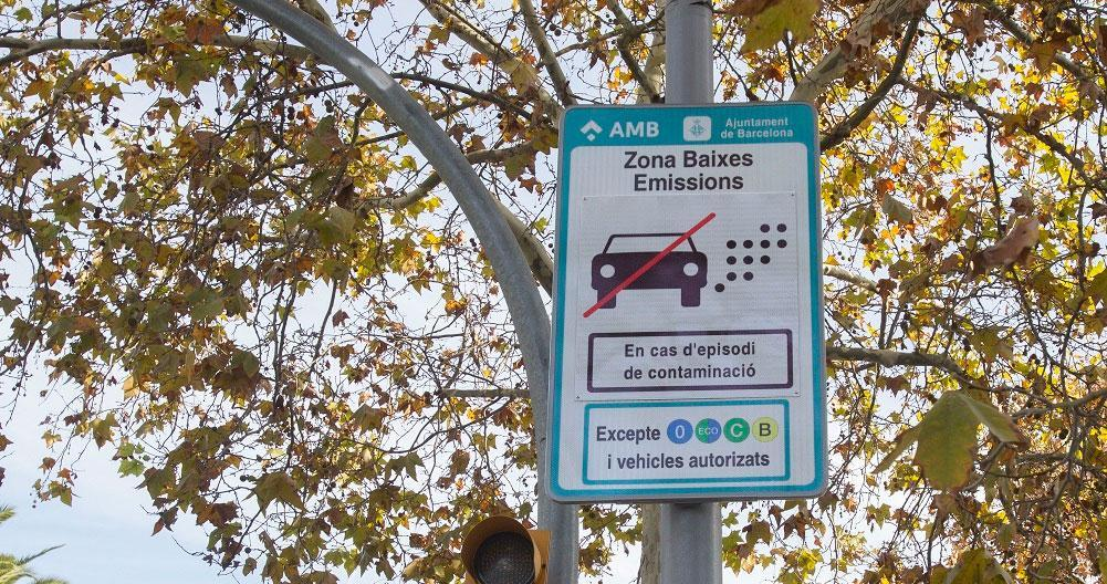 Los vehículos con etiqueta B, excluidos de la señal de Tráfico para las zonas de bajas emisiones (ZBE)