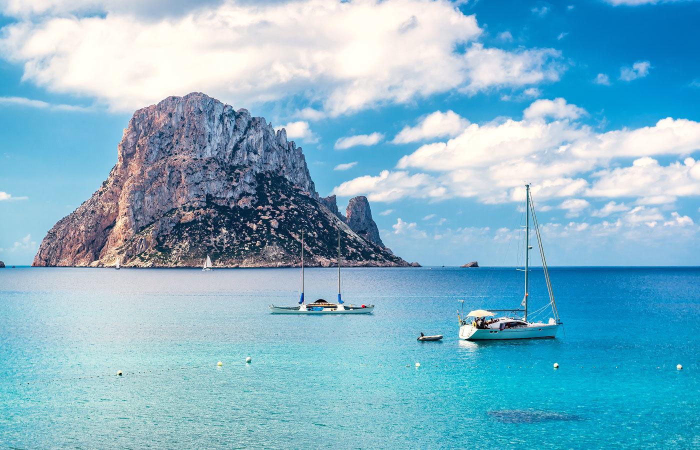 El islote de Es Vedrà de Ibiza.