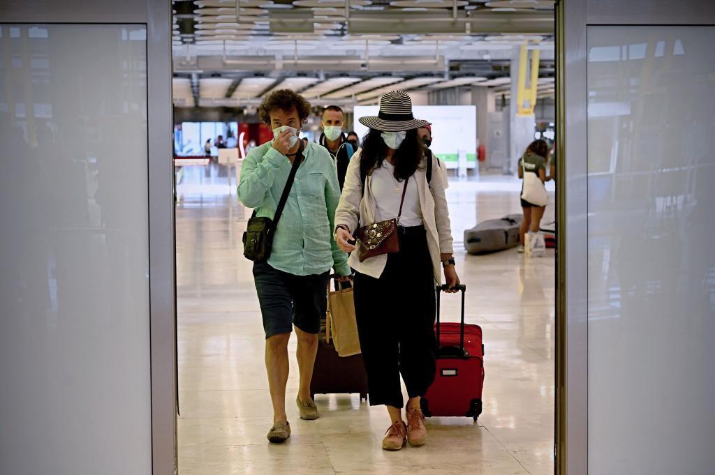 Llegada de turistas este lunes a Barajas