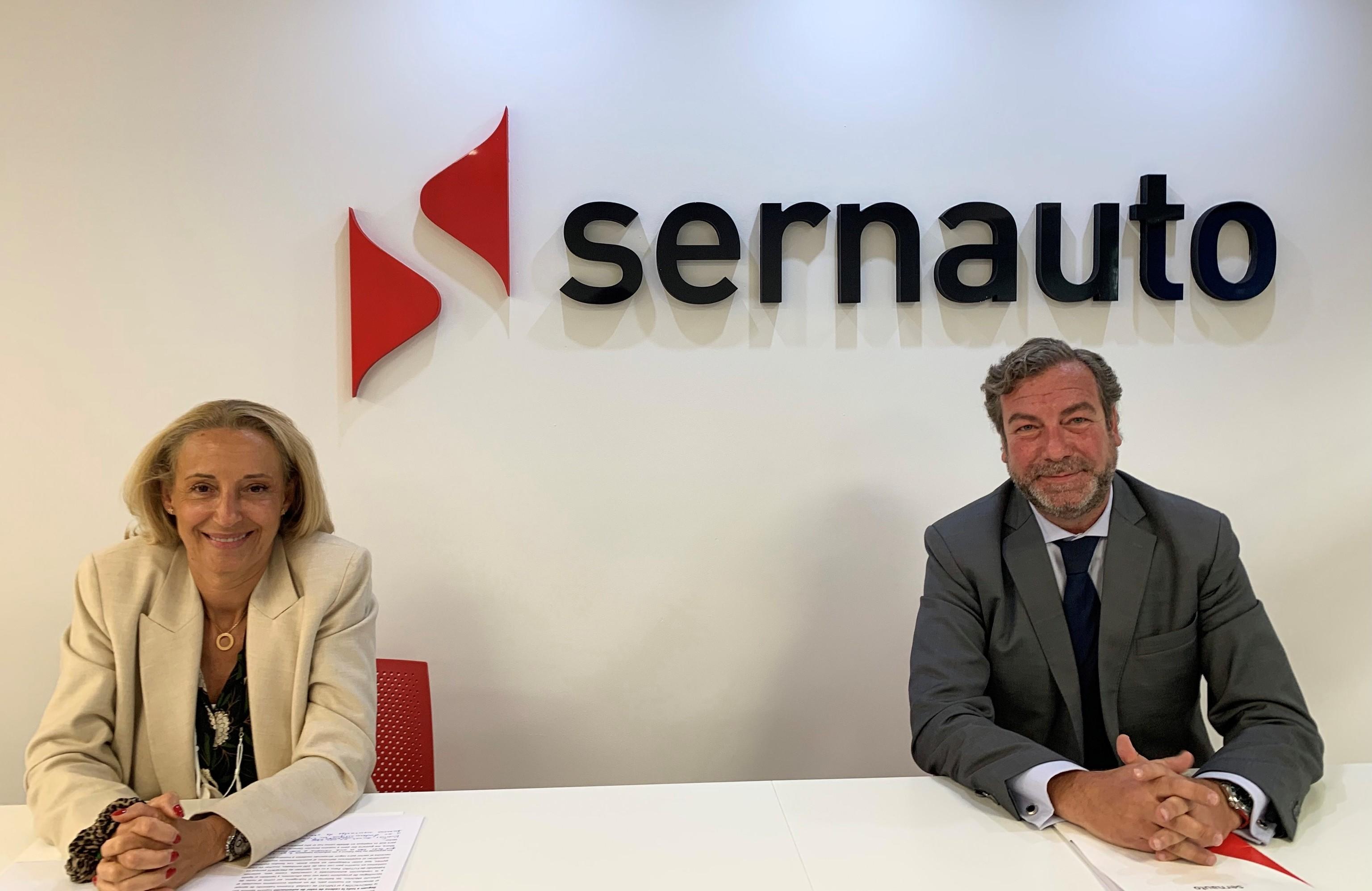 María Helena Antolín y José Portilla, presidenta y director general de Sernauto, respectivamente.
