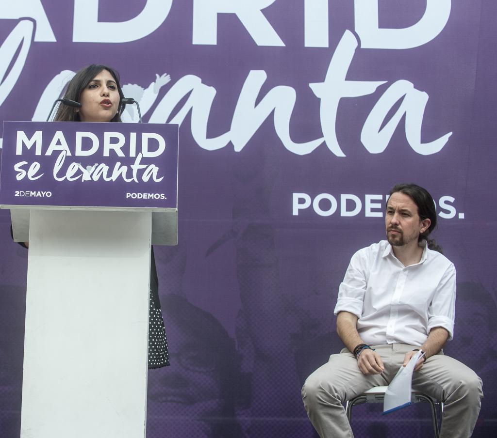 Dina Bousselham y Pablo Iglesias, en un acto de Podemos en 2017.