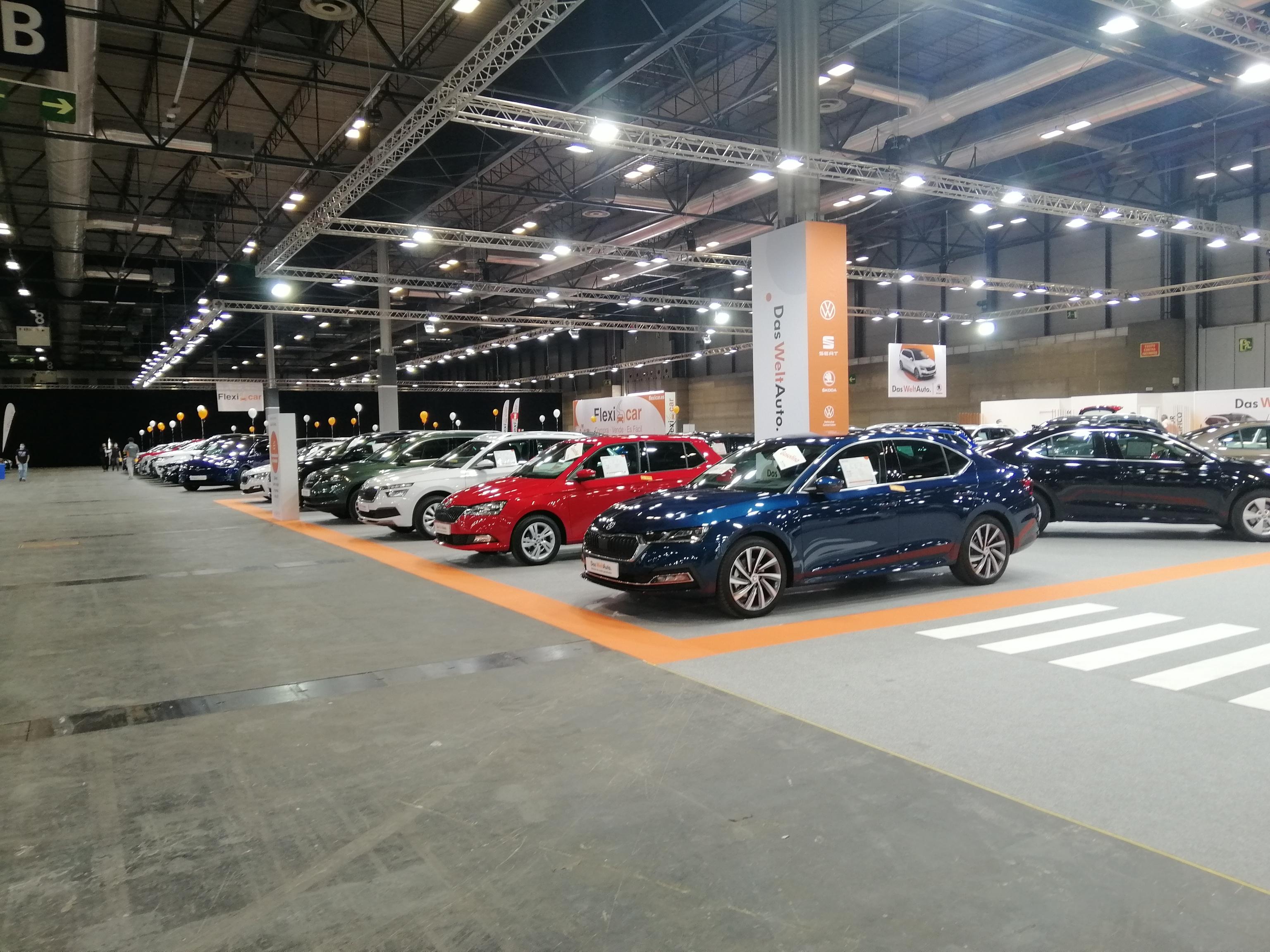 Stand de Das Welt Auto en el Salón del Vehículo de Ocasión de Madrid; Salón de VO, Volkswagen, Skoda, Seat, Ifema