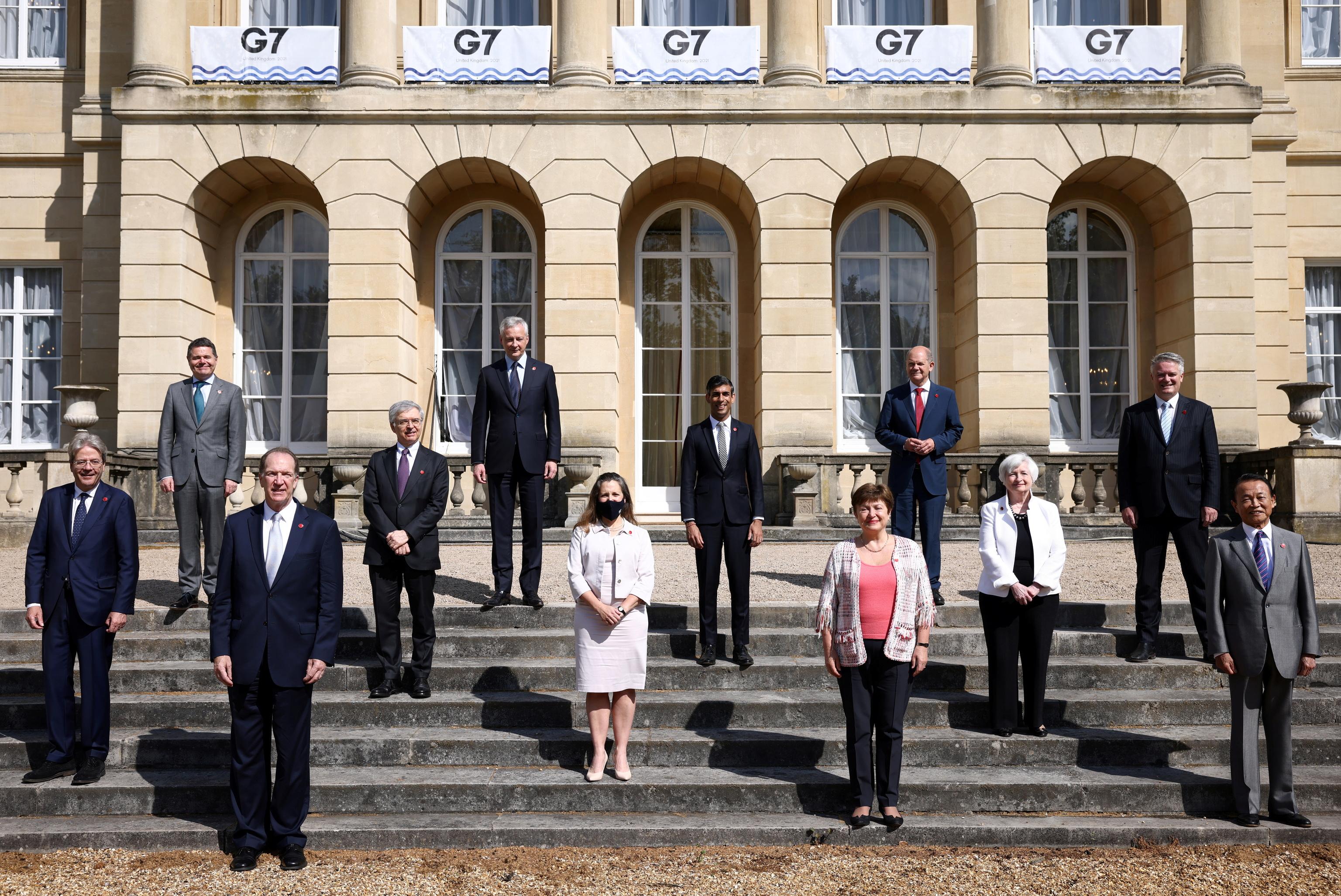 Los ministros de Finanzas del G7 posan, el pasado sábado, en Londres