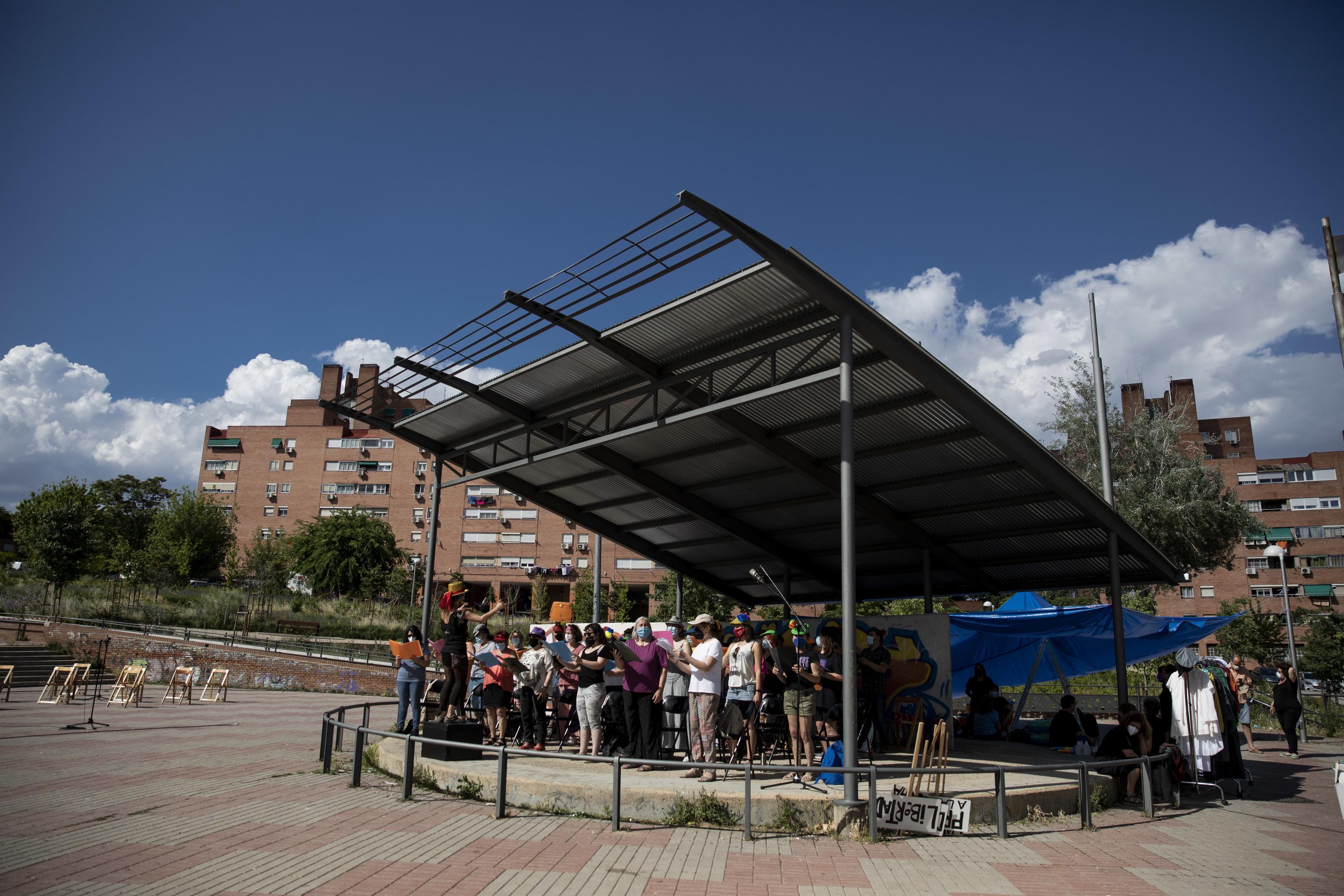 Ensayo de la zarzuela en la plaza de Carlos Jiménez de Parga.