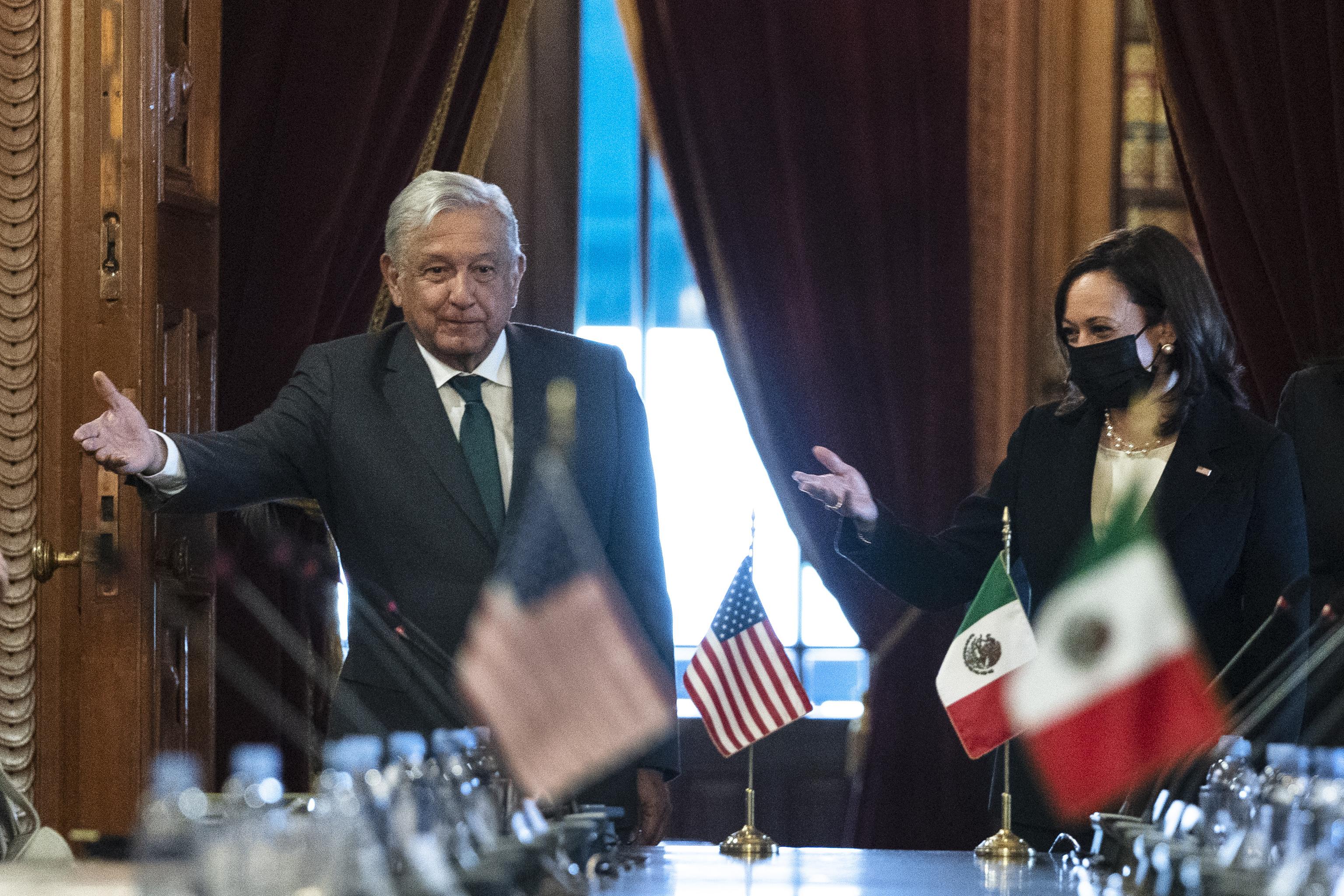 Kamala Harris y el presidente mexicano López Obrador este martes, en Ciudad de México.