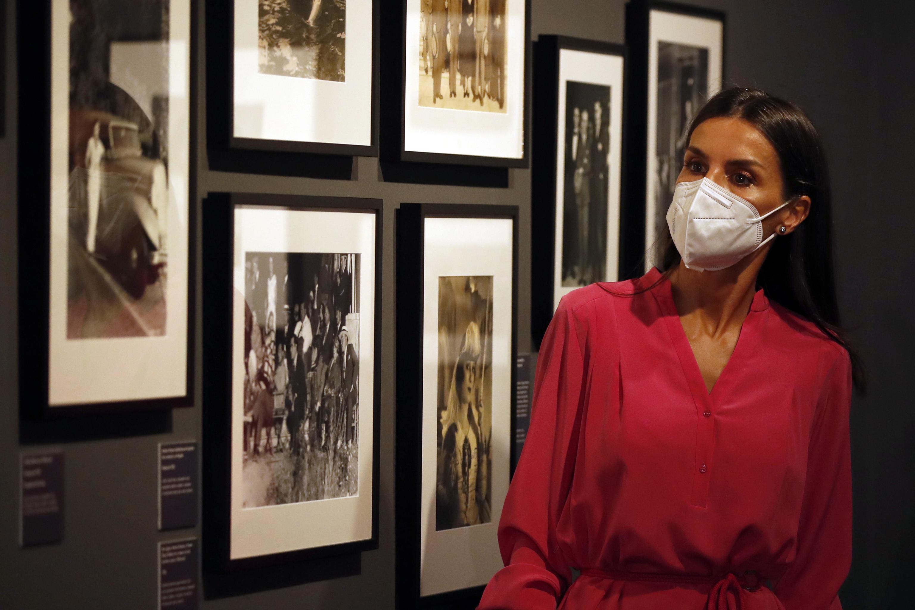 La reina Letizia durante la inauguración de la exposición 'Berlanguiano'.