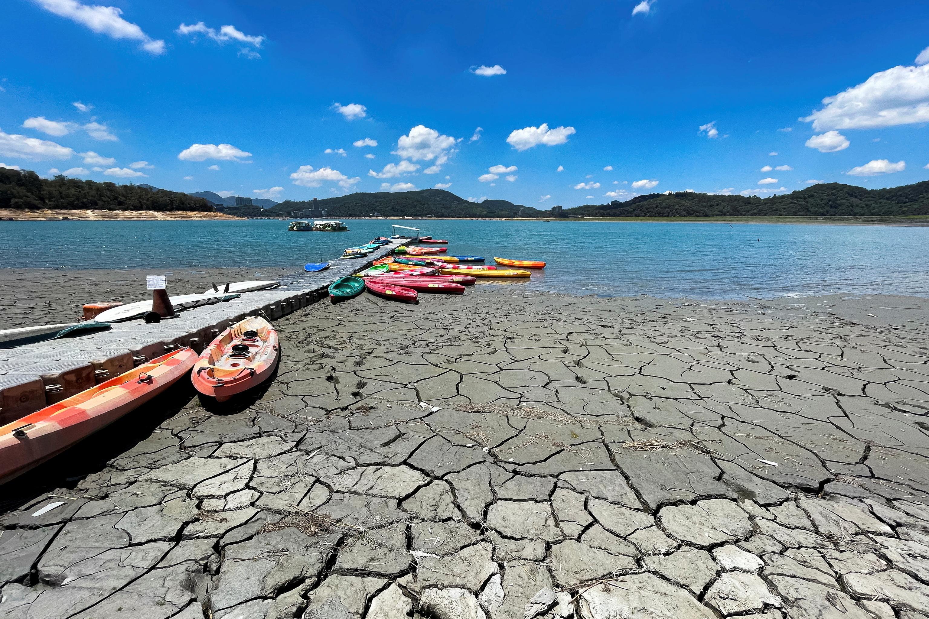 Sequía en el lago Sun Moon en Nantou, Taiwan