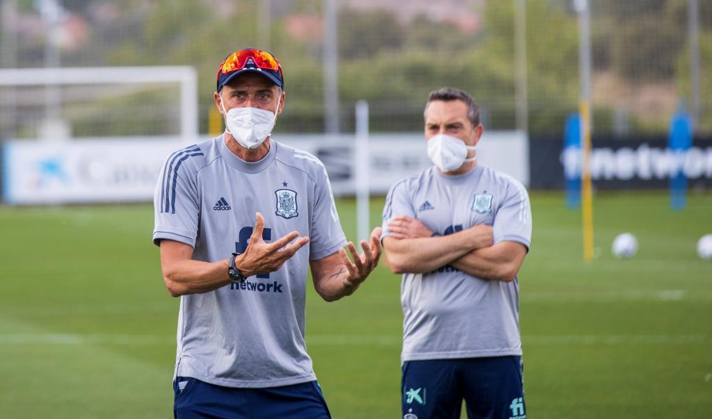 Luis Enrique durante uno de los entrenamientos preparatorios