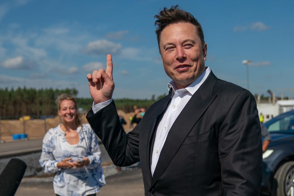 Multimillonarios libres de impuestos: Cómo ser la persona más rica del mundo y lograr que la Declaración de la Renta salga a devolver